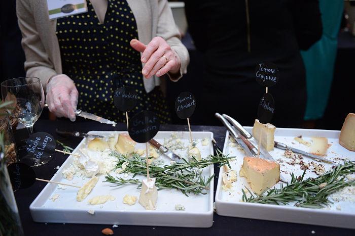 cheese-tasting