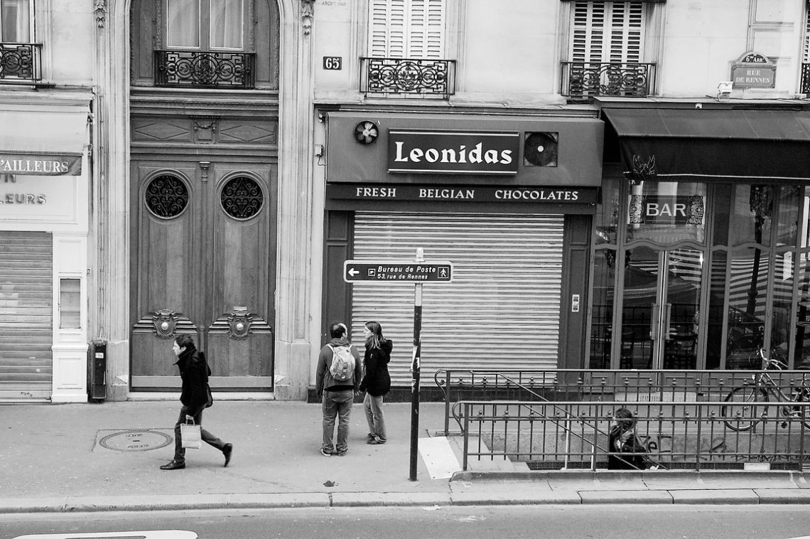 L'Américain Day 4 Paris street shot
