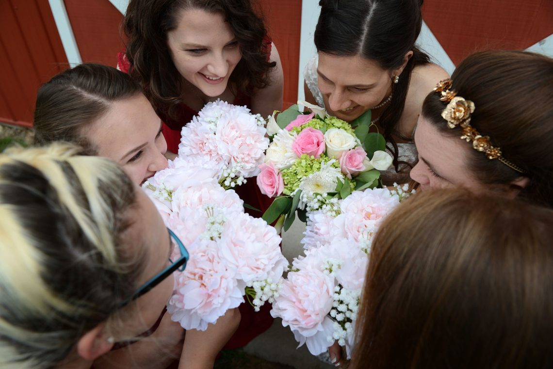 Weddings S&T Bridesmaids and flowers