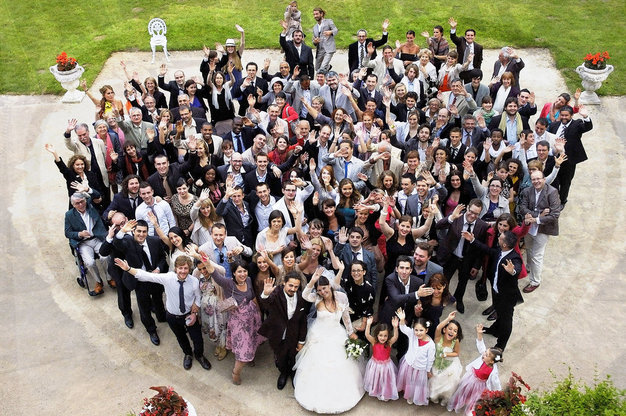 Group photo of Julie and Vincent wedding
