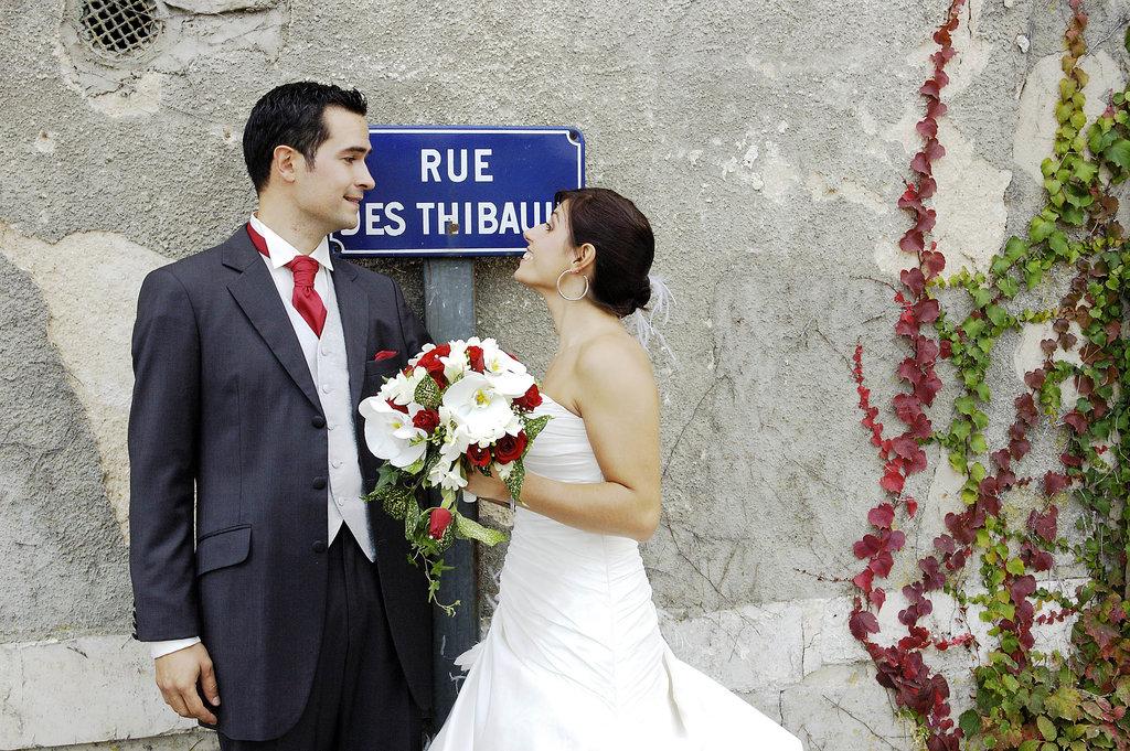Wedding P&S on the street